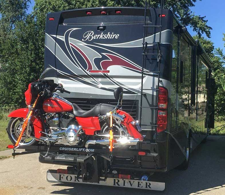 Flat towing with a motorcycle on RV